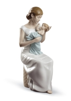 Lladro Soothing Lullaby Figurine. (Lladro Soothing Lullaby Figurine.)